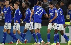 El Lyon derrotó a los Rangers con un brillante gol del Ecamby (0-2)